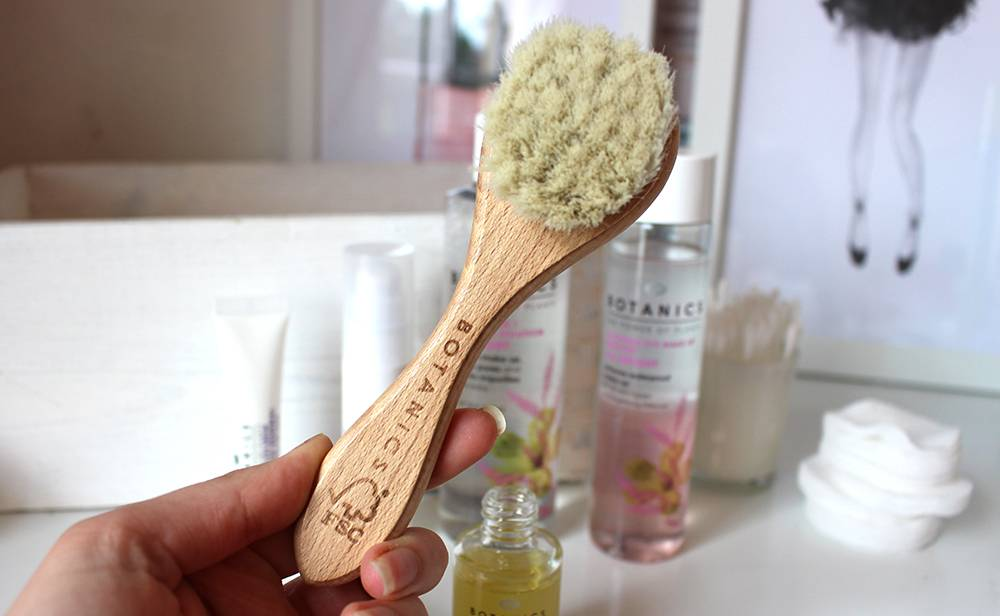 boots botanics brush