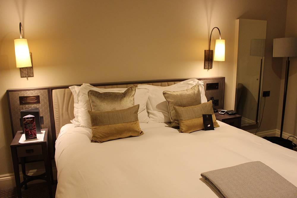 hotel-windsor-castle-room