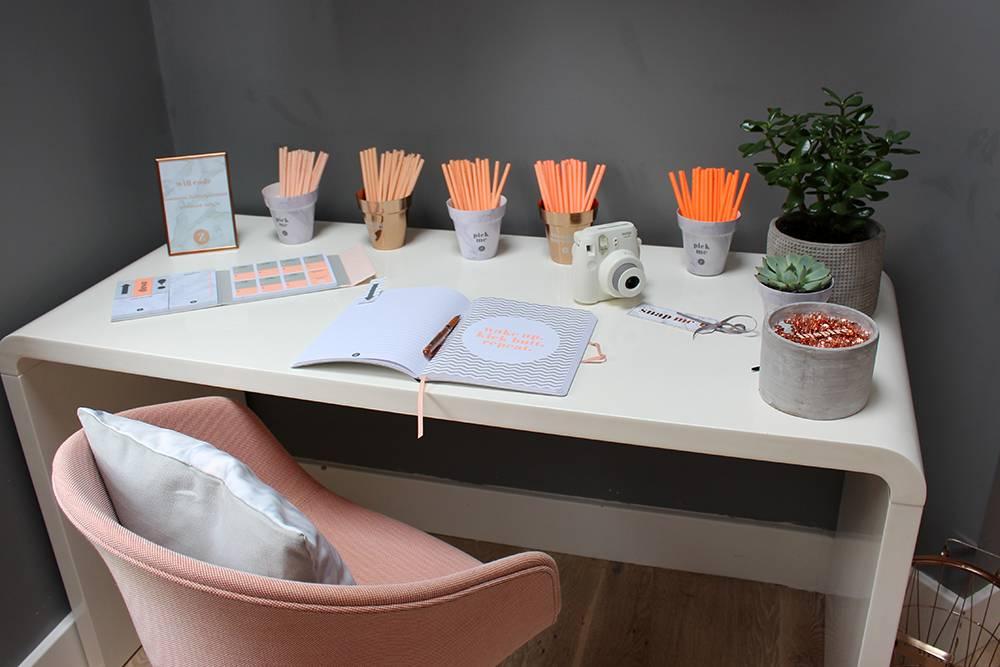 zoella-desk